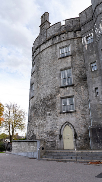 Ireland-Kilkenny-Castle-04.jpg