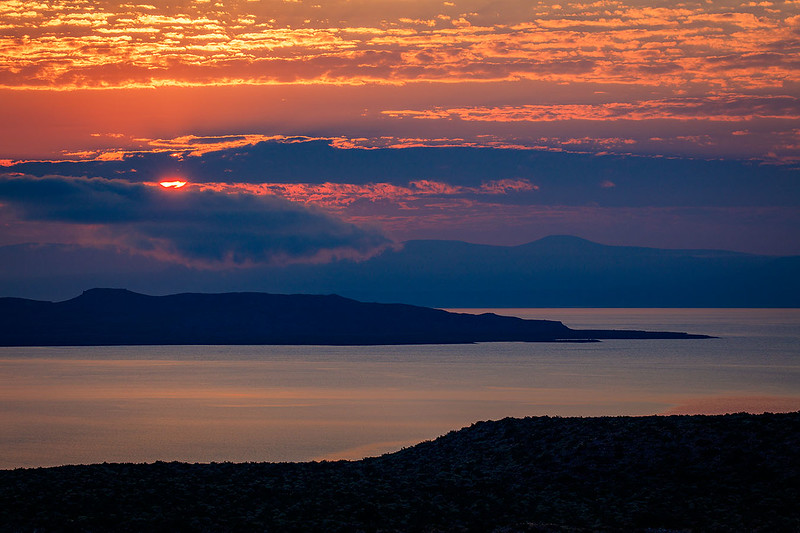 Mono_Lake_Sunrise_View_from_Visitor_Center_T6A3751.jpg