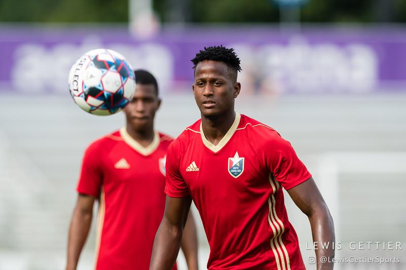 North Carolina FC defender Wuilito Fernandes (11)