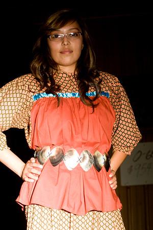 Tse'Yi Navajo Fashion Show