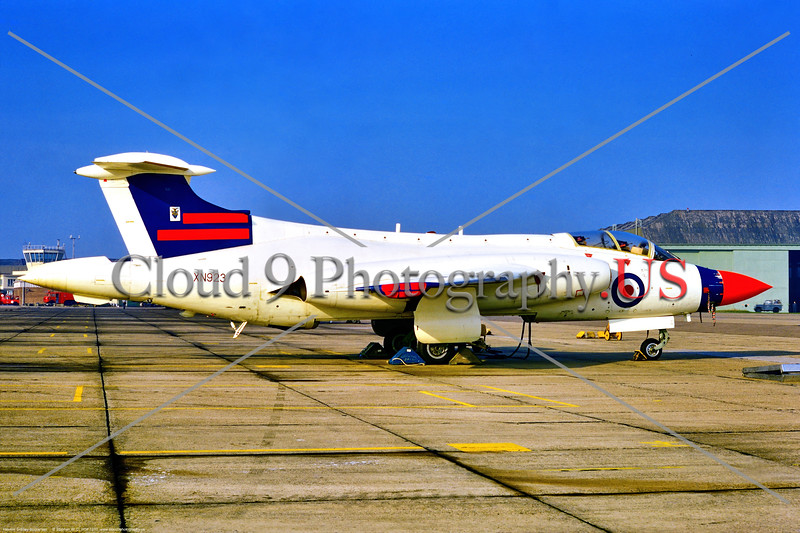 Hawker Siddley Buccaneer 021 A static, white, unusual color scheme, Hawker Siddley Buccaneer, British RAF attack jet, XN923, 9-1970 Coltishall, military airplane picture by Stephen W. D. Wolf     853_9597     Dt.JPG