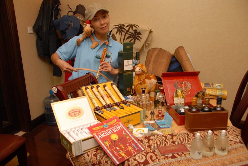 [20101009] BJ Home - Souveniers from Egypt Tour (8).JPG