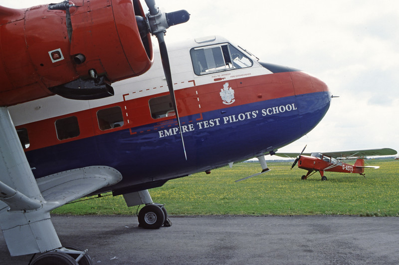 G-APRS-ScottishAviationTwinPioneer3-Private-EGBP-2002-05-11-LL-03-KBVPCollection.jpg