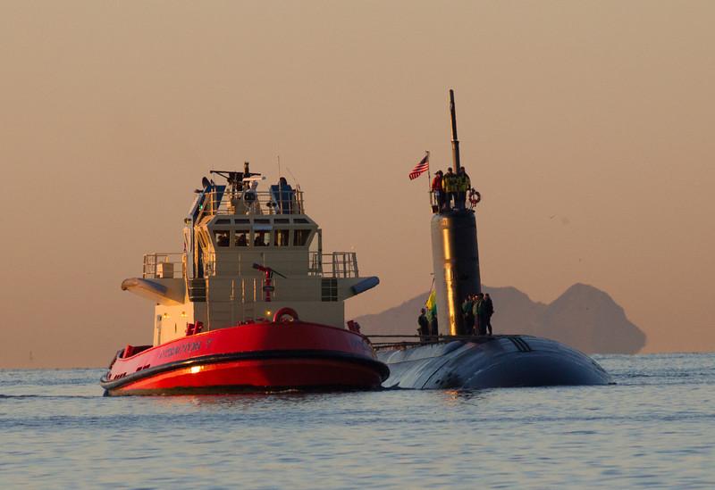Nuclear Submarine  San Diego waters 2011 12 07 (2 of 6).jpg