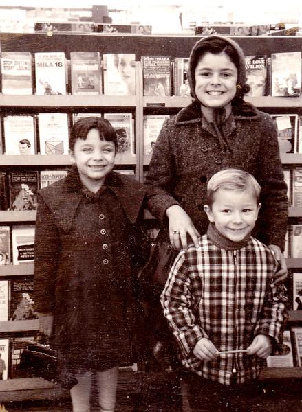 Regina - Dianna - Ronnie Book Store .jpg