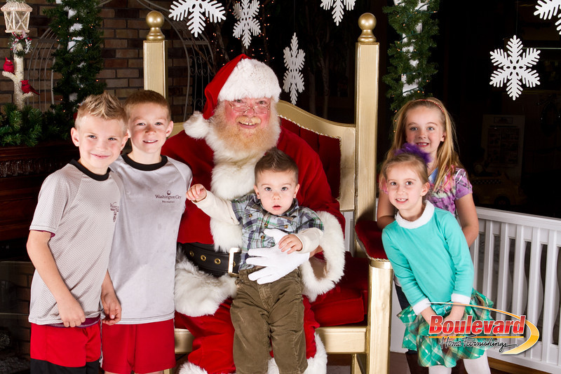 Santa Dec 8-293.jpg