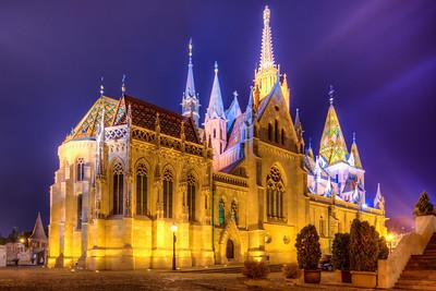 (2) Matyas Church Budapest (night)