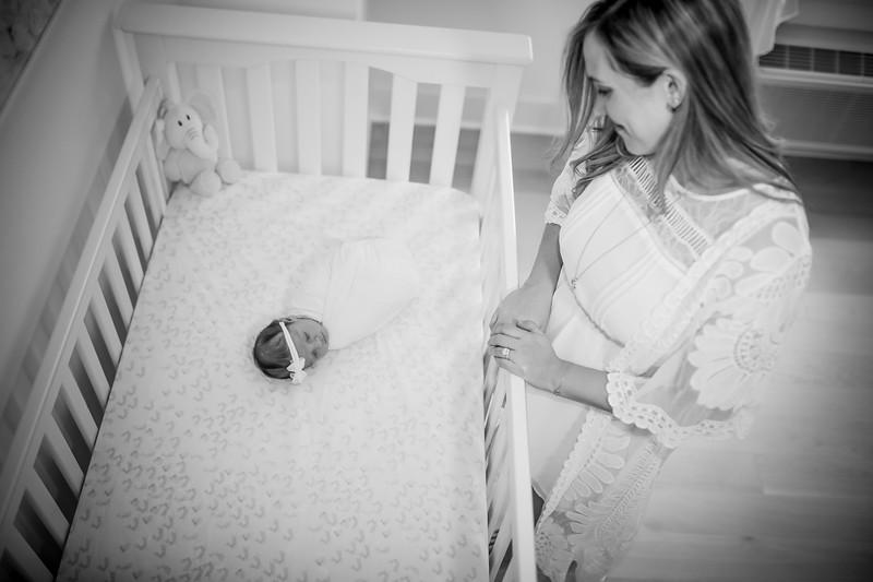 bw_newport_babies_photography_hoboken_at_home_newborn_shoot-5200.jpg
