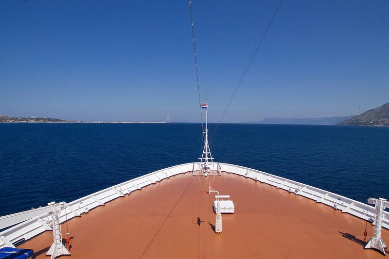 Aproaching the Strait of Messina.jpg