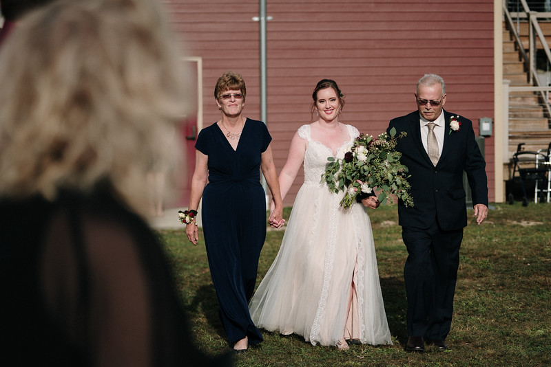 rustic_ohio__fall_barn_wedding-206.jpg
