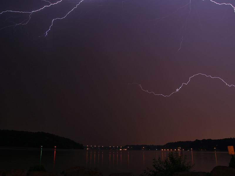 lightning_irond_09_4x3_07232008.jpg