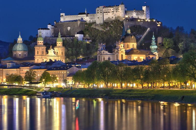 Salzburg close up nightpsd.jpg