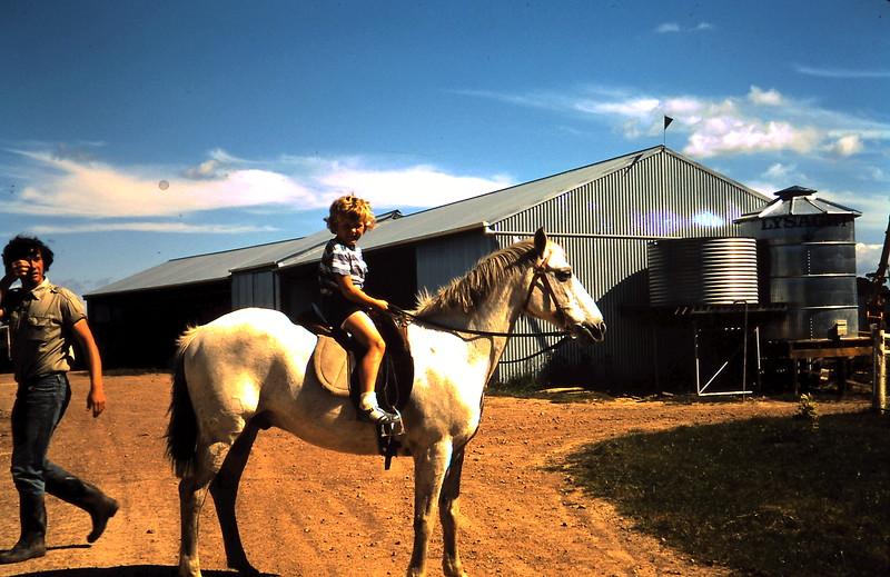 1971-11-16 (20) Susan 6 yrs 4 mths.JPG
