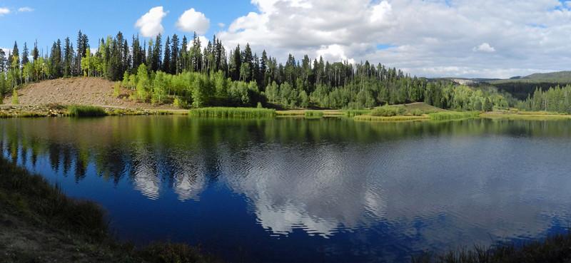 Henderson Lake pano3.jpg