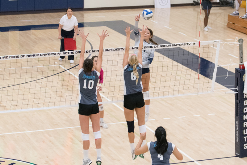 HPU Volleyball-92483.jpg