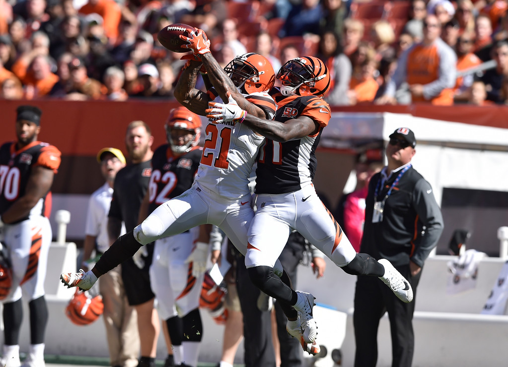 . Cleveland Browns cornerback Jamar Taylor (21) breaks ups pass intended for Cincinnati Bengals wide receiver Brandon LaFell (11) in the second half of an NFL football game, Sunday, Oct. 1, 2017, in Cleveland. (AP Photo/David Richard)