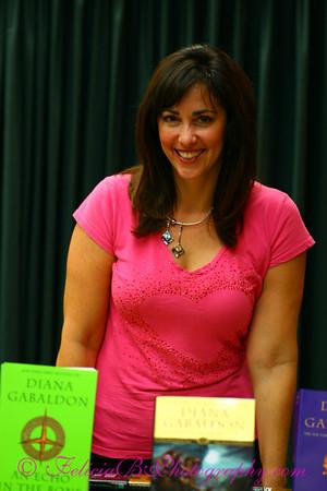Vroman's Diana Gabaldon Signing