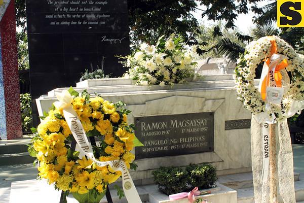 Undas 2013: Manila North Cemetery