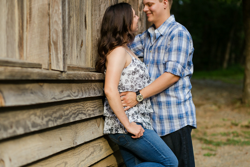 elizabeth-stephen-engagement-19.jpg