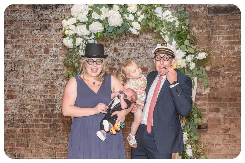 Laren&Bob-Wedding-Photobooth-35.jpg