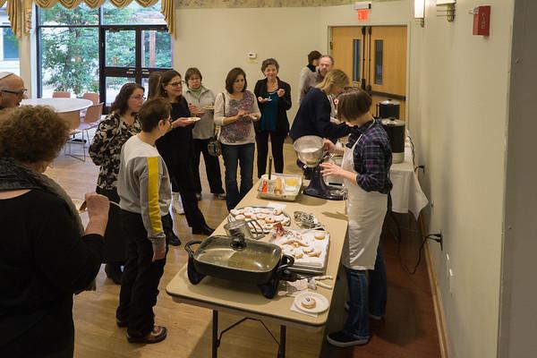 Making Sufganiyot and Origins of Hanukkah Foods December 2016