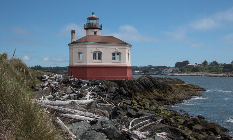 8060-Umpqua River Light-Yvonne Carter.jpg