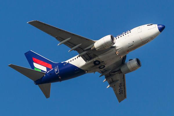 HA-LOG - Boeing 737-6Q8