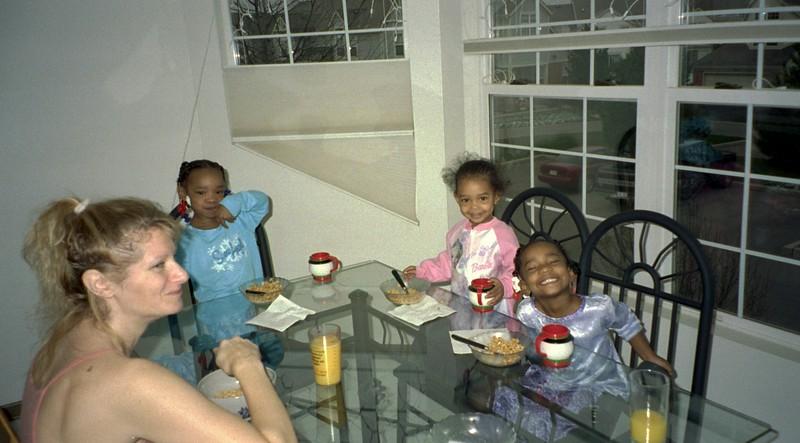 2001-12-23  Grand Daughters Chrstmas Visit 0013.jpg