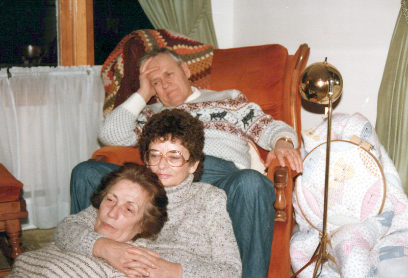 1973 Ken and Mary Lou Soncrainte and Vivian.jpeg