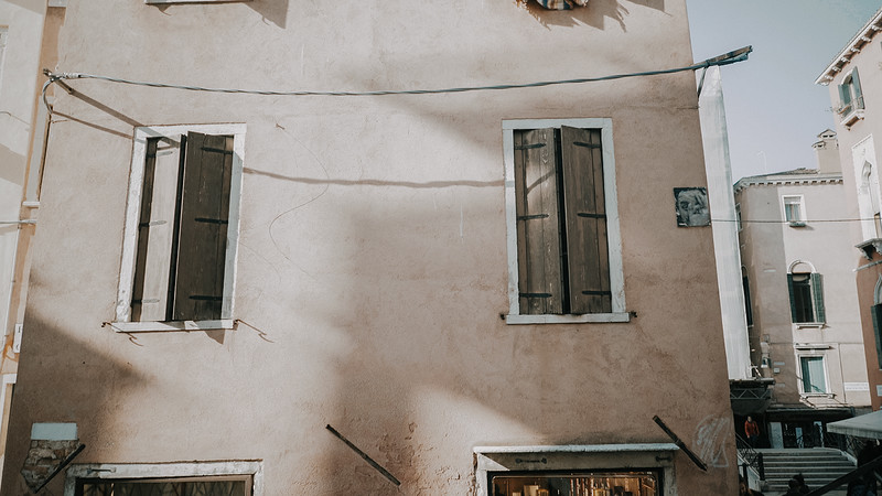 Tu-Nguyen-Destination-Wedding-Photographer-Elopement-Venice-Italy-Europe-w0a1.jpg