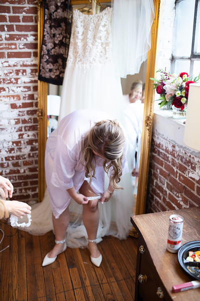 Kathryn getting ready K&M-151.jpg