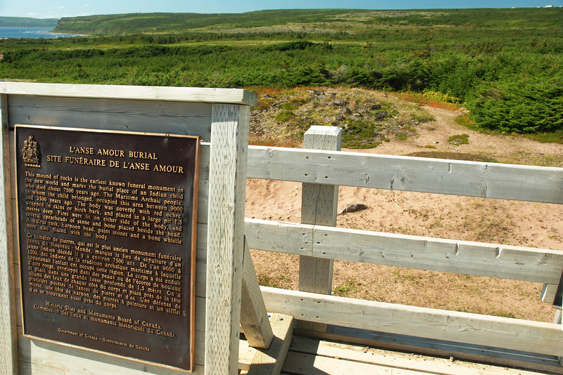 <html><span class=fre>Le plus ancien site funériaire en Amérique du Nord - L'Anse-Amour, Labrador</span> <span class=eng>Oldest known burial site in North America - L'Anse aMmour, Labrador</span></htm