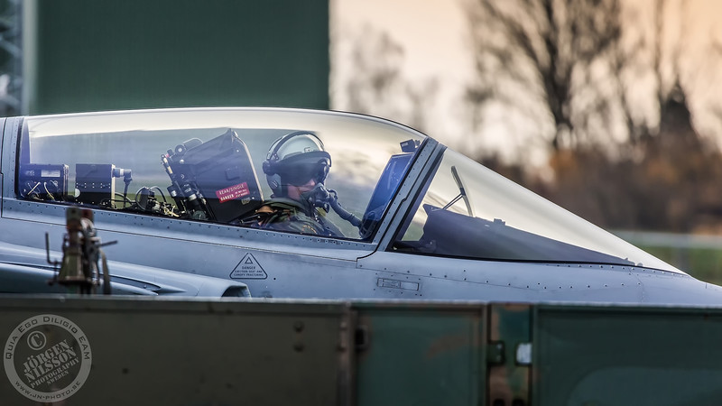 Pilot and ground crew