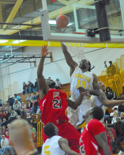 20090301_MCC Basketball_5556a.jpg