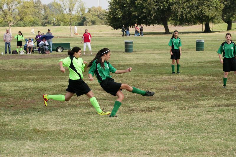 Soccer2011-09-17 11-05-16_1.JPG