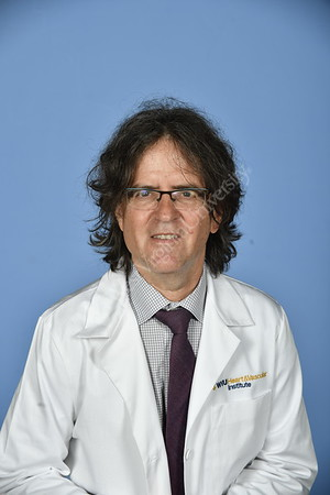 33647_Cardiovascular and Thoracic Surgery Portraits