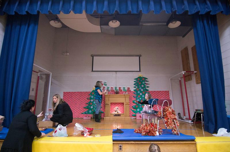 12.17.2014 - Riverview Co-Op Preschool Christmas Program - _CAI6102.jpg