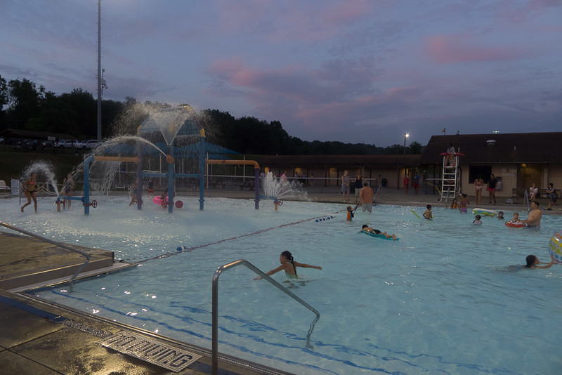 Hampton Dolphins Pool Party-0009-1120761.jpg