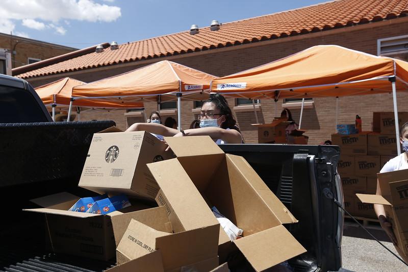 072820GuillenMS-FoodBank220.JPG