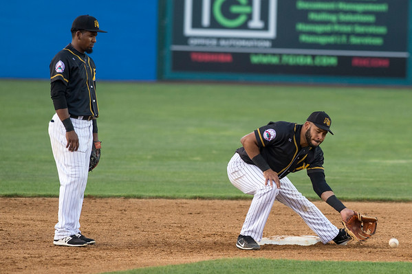 07/01/19 Wesley Bunnell | Staff The New Britain Bees vs the Somerset Patriots on Monday July 1, 2019. Jonathan Galvez (10) takes the throw from the catcher during warmups.