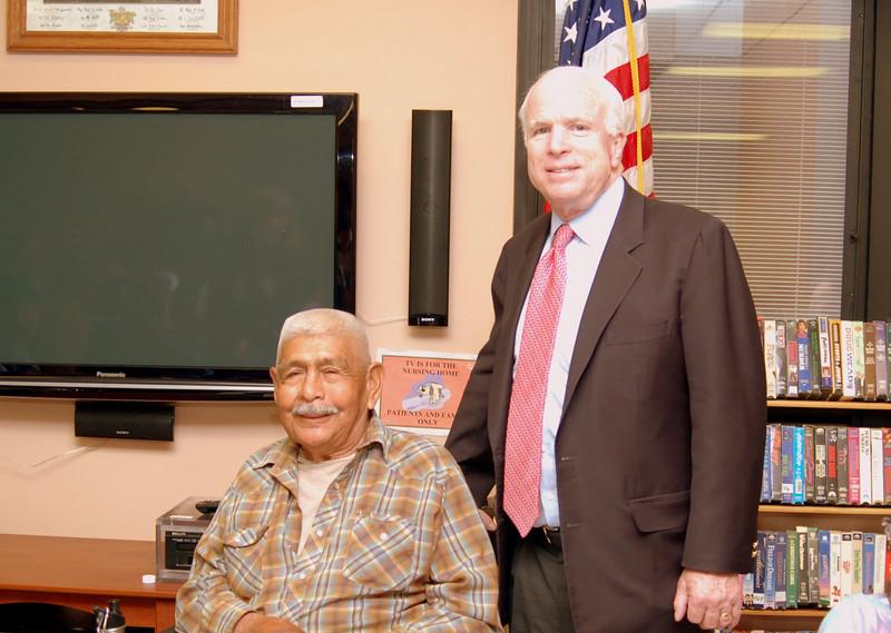 Sen McCain PVAHCS Visit 5-1-2010 5-22-43 PM.JPG