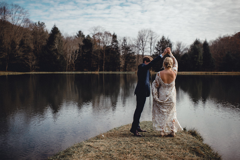 Requiem Images - Luxury Boho Winter Mountain Intimate Wedding - Seven Springs - Laurel Highlands - Blake Holly -690.jpg