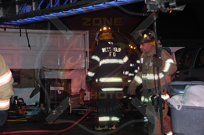 West Islip F.D. Signal 13 862 West Bay Dr. 1/1/14 * First Suffolk Fire of the Year*