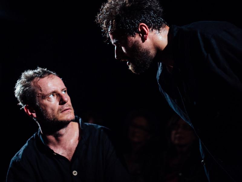 154_Hamlet by Divadlo Kontra - Greg Goodale-.jpg