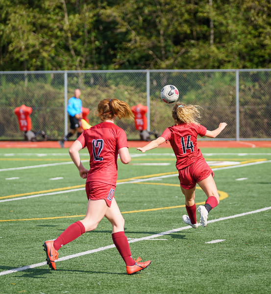 2019-09-28 Varsity Girls vs Meadowdale 048.jpg