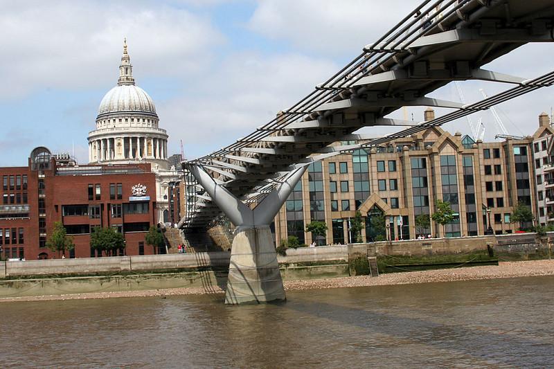 4475_London_Thames_St_Paul.jpg