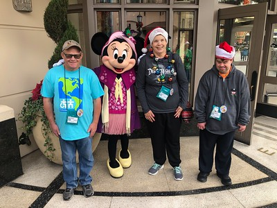 "Disneyland Holiday Happiness ""B"" Group (Dec 19-22)"