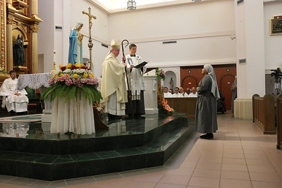 Two members of the SOLT community profess final vows