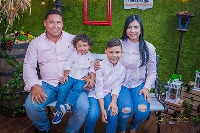 289. Elizabteh Abreu y Familia