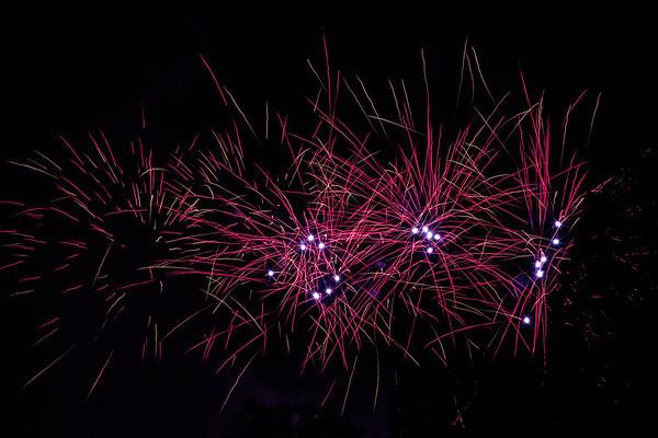 2018 - Dunorlan Park Fireworks 010_
